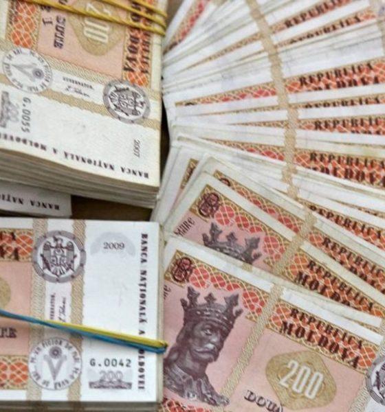 lideri în mobilizarea veniturilor suplimentare)