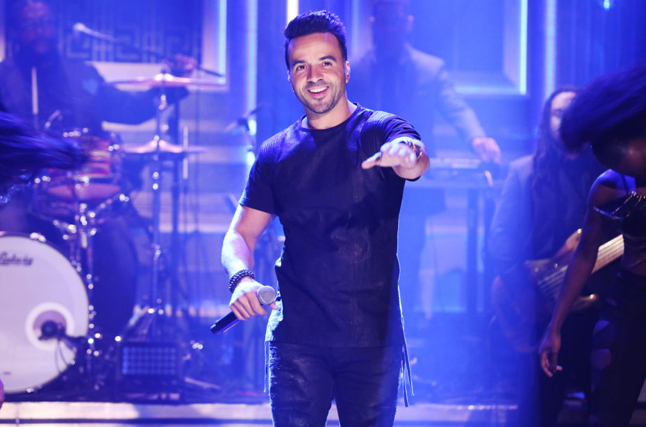 luis-fonsi-jimmy-fallon-live-sept-2017-billboard-1548