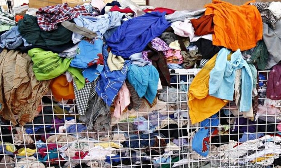 pile-of-second-hand-cloth-012-The-guardian